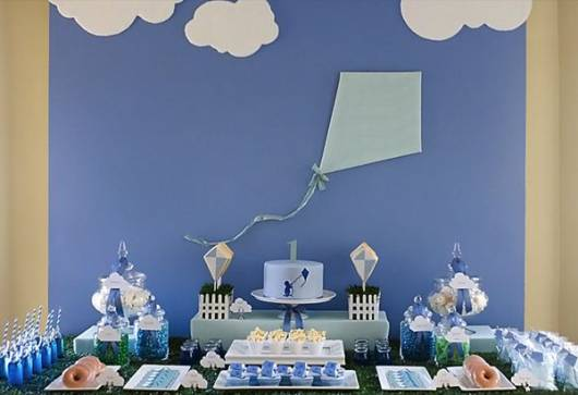 passo a passo de bolo azul e branco chá de bebê