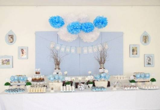 como decorar mesa chá de fraldas azul e branco