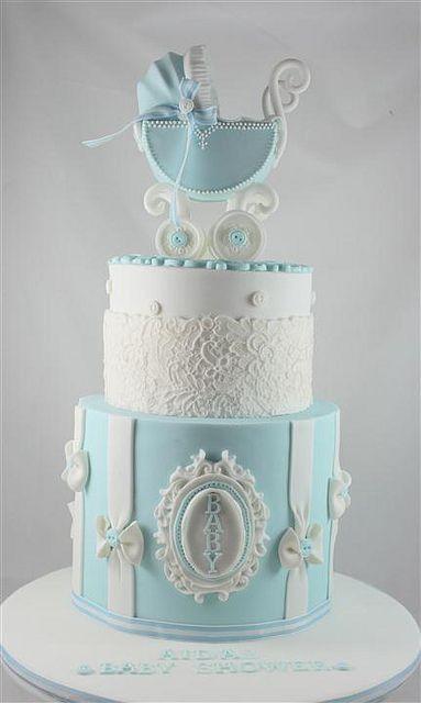 bolo chá de bebê azul e branco