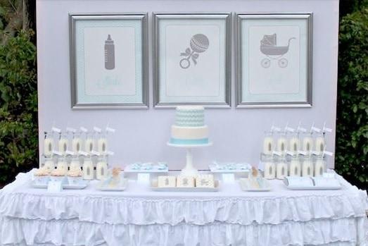 decoração simples e fácil chá de bebê azul e branco
