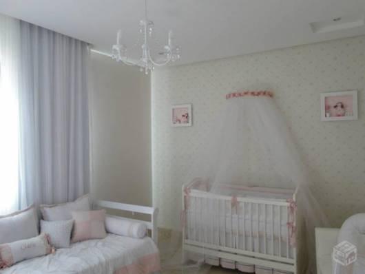cortina embutida quarto de bebê