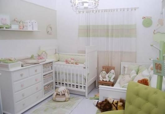 cortina de voal quarto de bebê