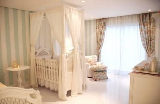 cortina floral quarto de bebê