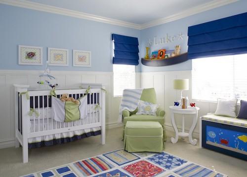 cortina romana azul quarto de bebê