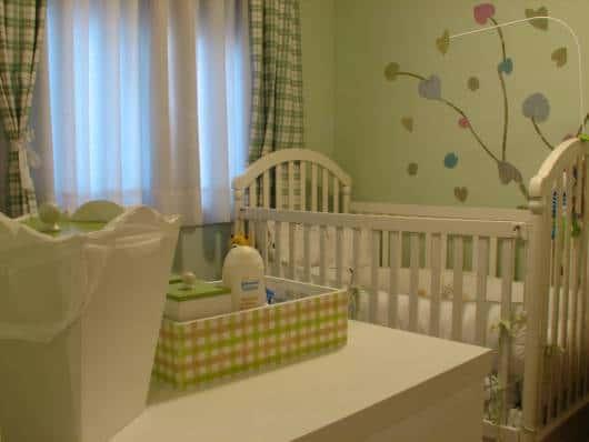 cortina xadrez quarto de bebê