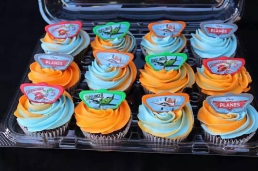 modelos de cupcake para festa aviões disney