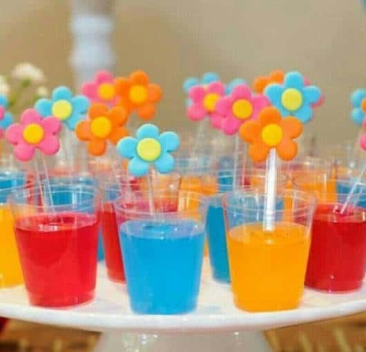 gelatina como doce de chá de bebê simples