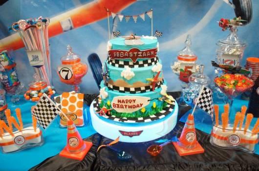 bolo de festa aviões disney