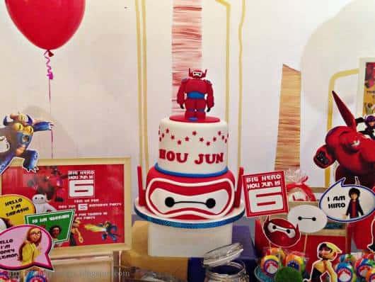 foto de bolo de festa big hero