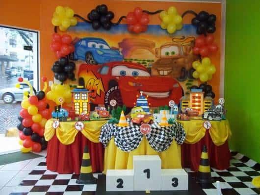 enfeites para decorar  festa Carros simples