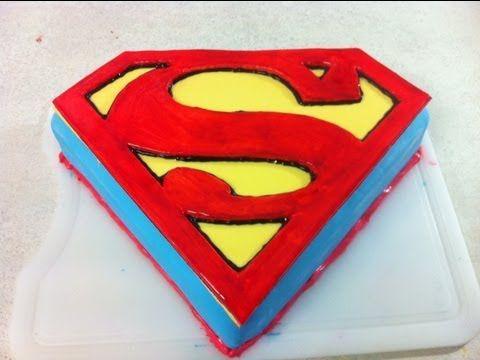 bolo diferente do  super homem
