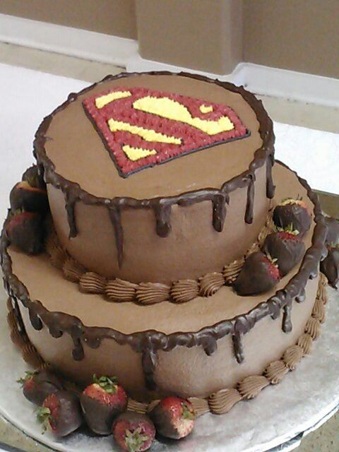bolo de chocolate do  super homem