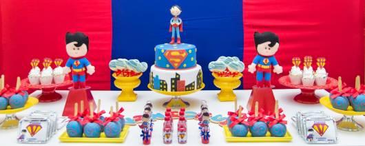 festa simples do super homem para bebê