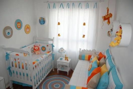 combinação azul e laranja quarto safári