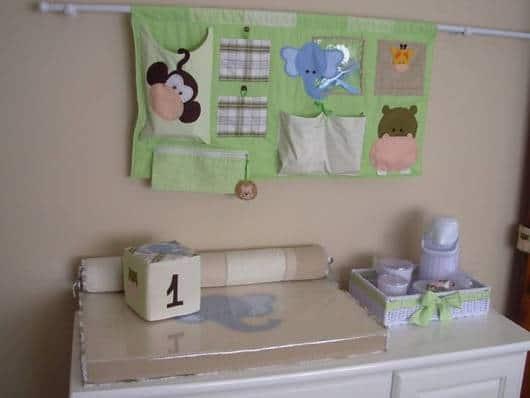 trocador de bebê safári
