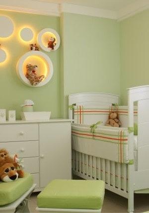 quarto bebê verde com animais