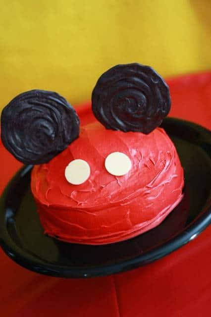 bolo mickey simples vermelho e preto