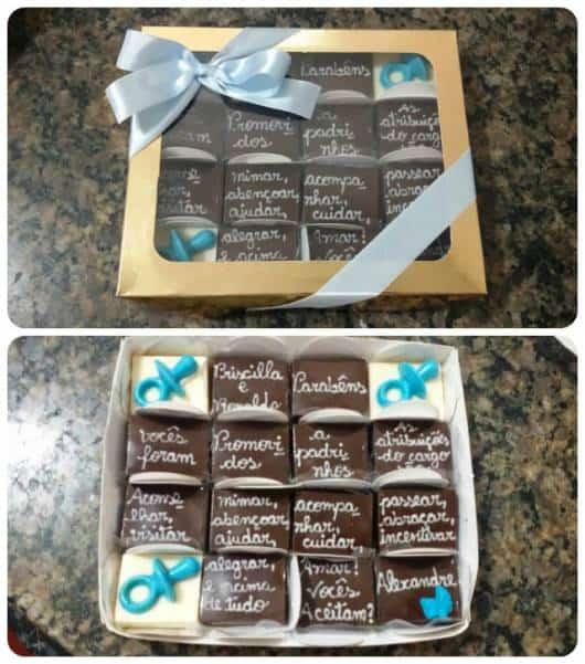 caixa de chocolate com convite
