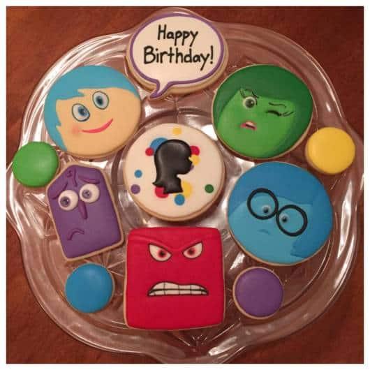 modelos de cupcake da festa divertida mente