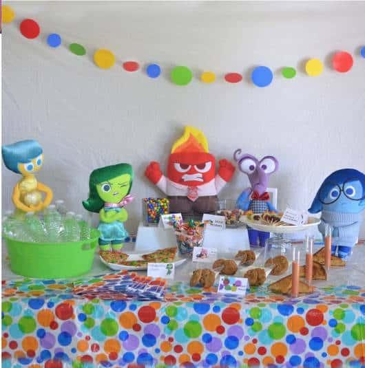 decoração de festa divertida mente