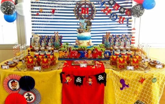festa colorida piratas