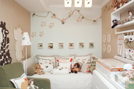 quarto bebê safari