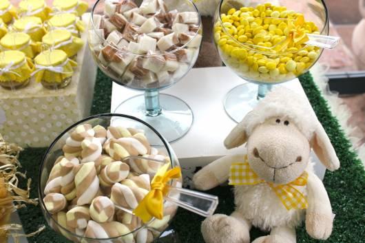 mesa de doces festa ovelhinha