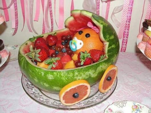 decoração com frutas para chá de bebê de luxo