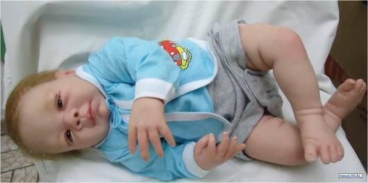 boneco com peso de criança