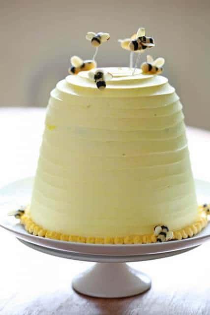 bolo barato aniversário mês