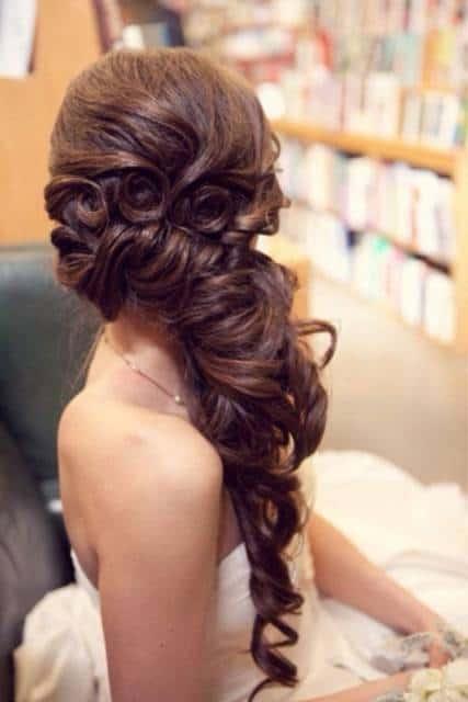penteado semi preso de lado