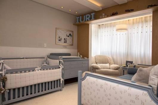 móveis coloridos quarto de bebê