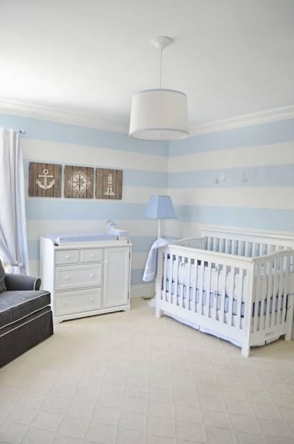 parede de listras quarto de bebê