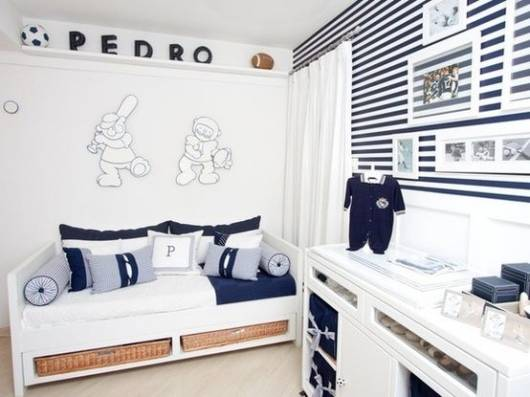 quarto bebê azul marinho e branco