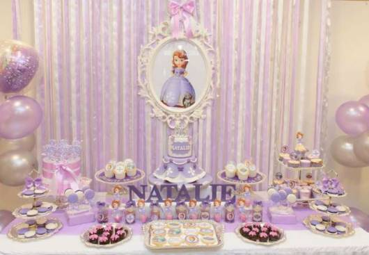 festa infantil lilás