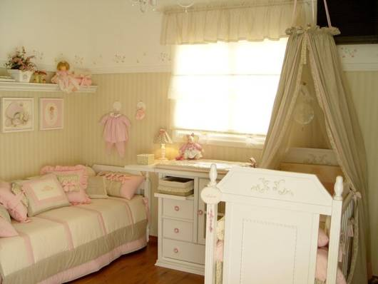 quarto bebê menina