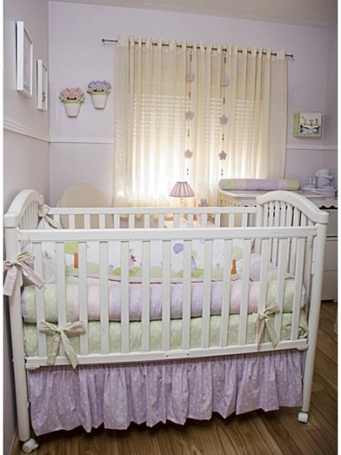 quarto lilás e bege bebê