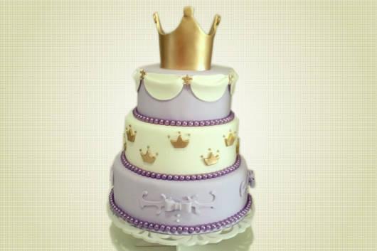 Fotos de bolos decorados com coroa