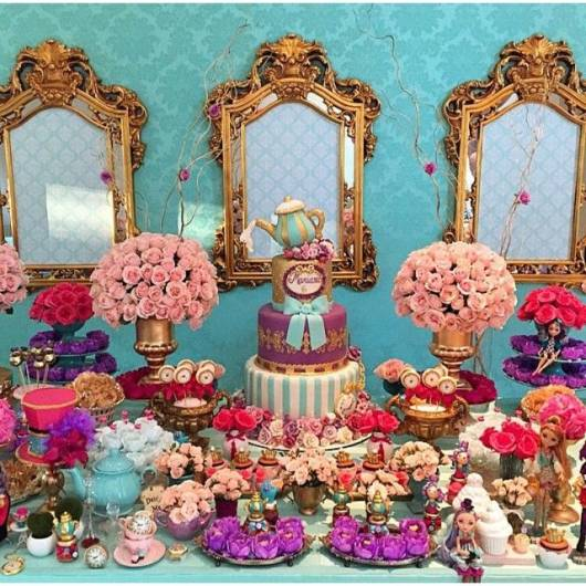 decoração rosa e azul turquesa