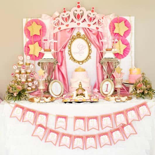 mesa de festa realeza para menina
