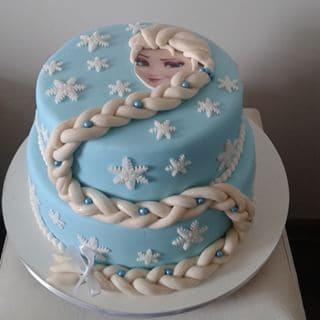 bolo com trança princesa