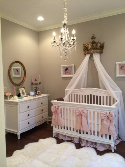 20 quartos de beb princesa ideias e decora es for Above the crib decoration ideas