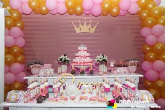 decoração rosa e dourado