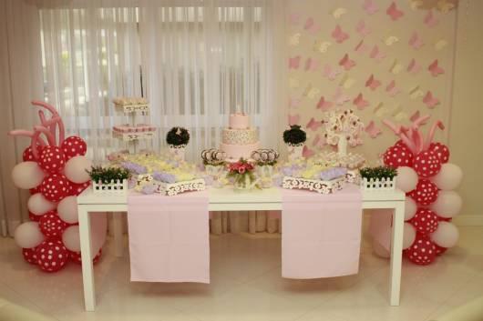decoração rosa e amarela