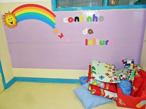 decoracao sala de leitura na escola:CANTINHO DA LEITURA: dicas, modelos e como fazer!