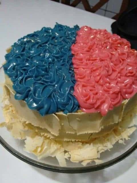 bolo com chocolate branco