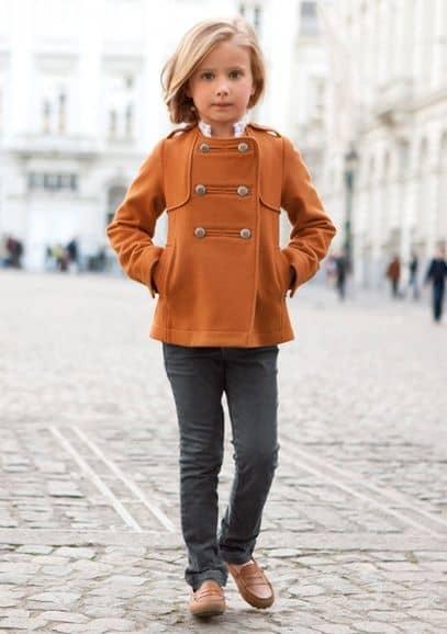 casaco marrom menina