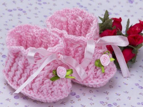 botinha rosa com flor