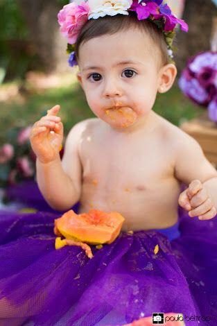 foto criança comendo