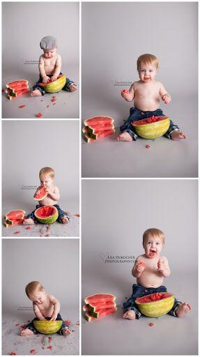 foto bebê com melancia